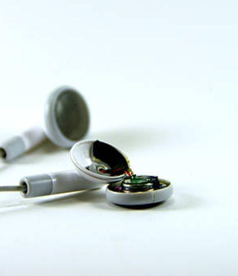 Aprende a reparar tus audífonos como profesional