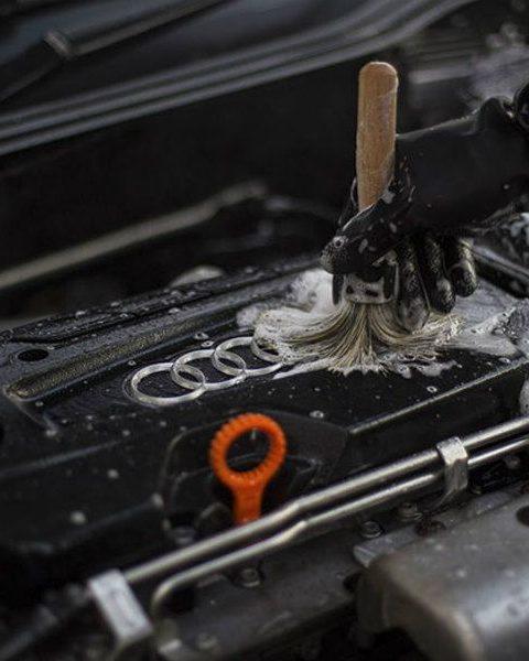 Cómo lavar el motor de tu auto